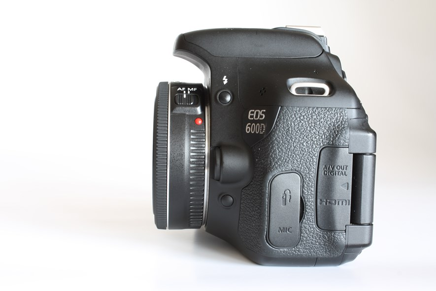 Canon Ef 50mm 1 1 8 Ii Vs Canon Ef 40mm F 2 8 Stm Which