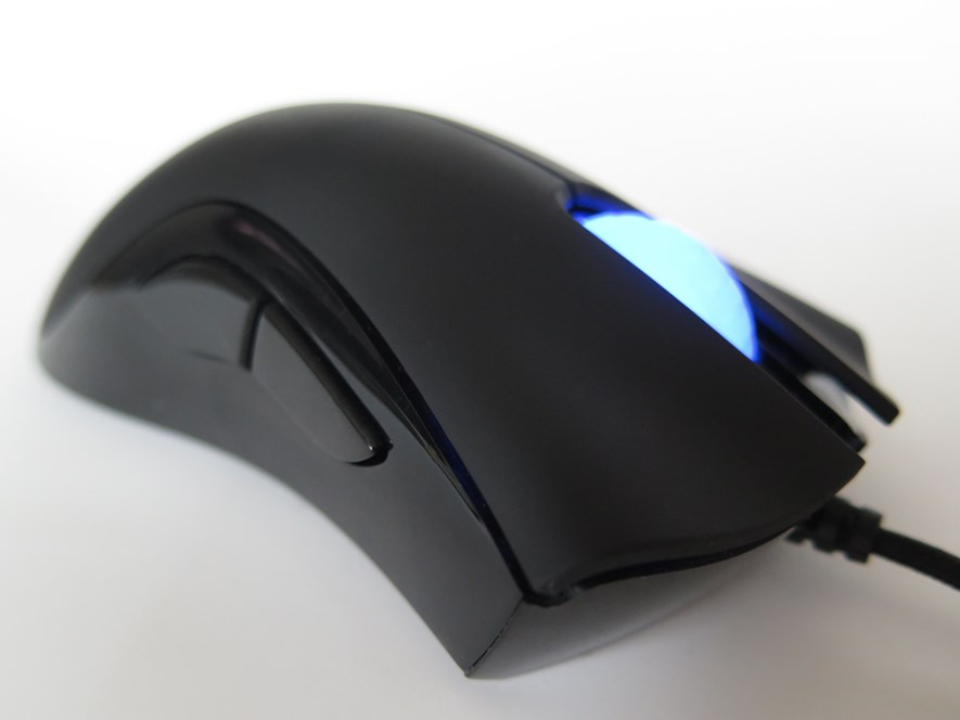 d6bd06306b9 While symmetrical mice are all around, finding a pure left handed design is  easier said than done. Read on for my thoughts on the Razer DeathAdder -  Left ...
