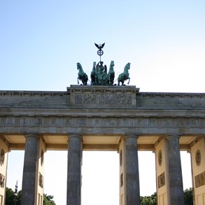 Brandenburger Gate, an important landmark in Berlin.
